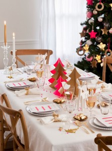 Hot-pink-gold-Christmas-decorations0